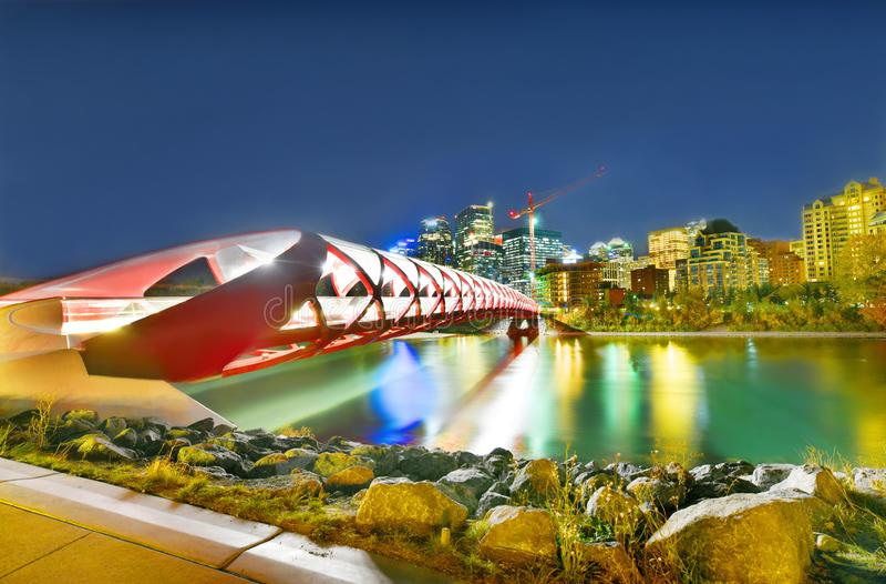 和平桥梁在阿尔伯塔,加拿大 库存照片
