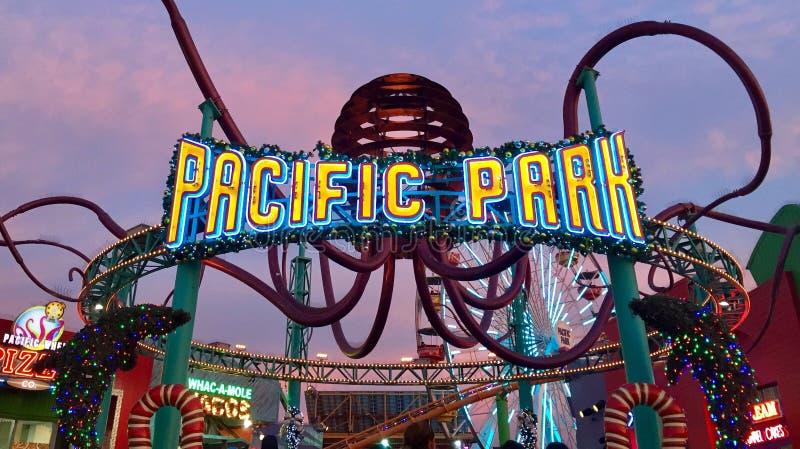 和平的公园霓虹灯广告 库存照片