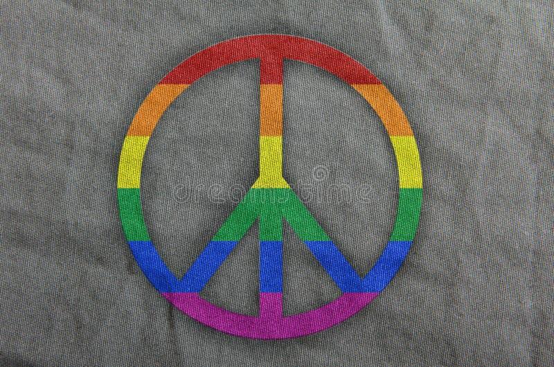 和平的标志在彩虹的 免版税库存图片