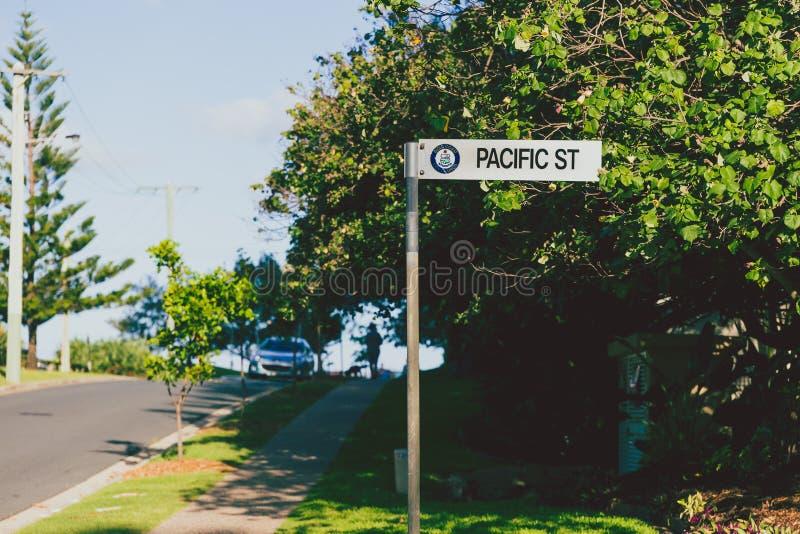 和平的街道路标冲浪者天堂 库存图片