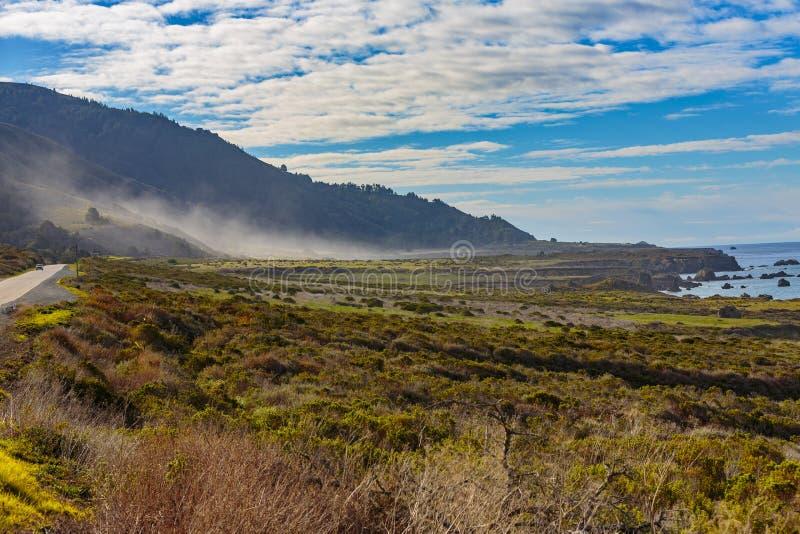 和平的谷薄雾 图库摄影