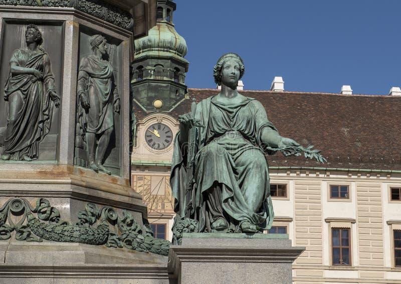 和平雕象,对弗朗茨二世的纪念碑在霍夫堡皇宫的一个庭院里,维也纳 库存照片