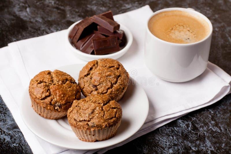 咖啡、巧克力和蛋糕 库存图片