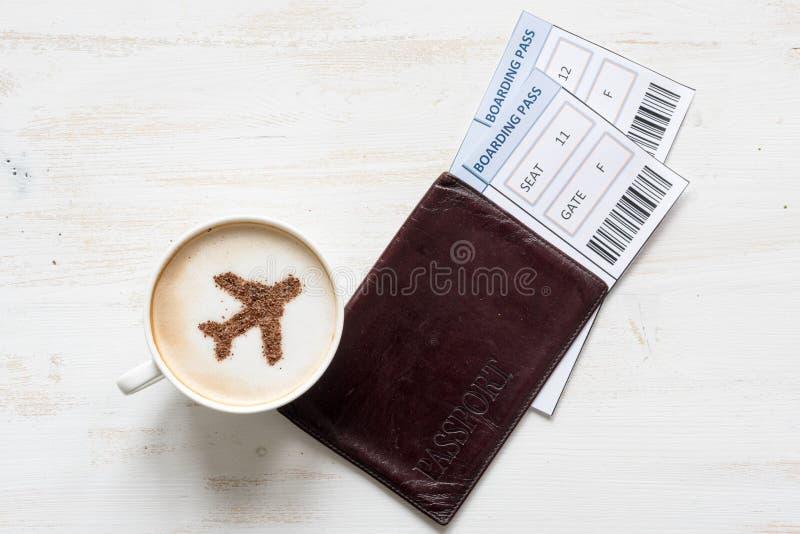 咖啡与航空器(飞机的由桂香制成) 免版税库存照片