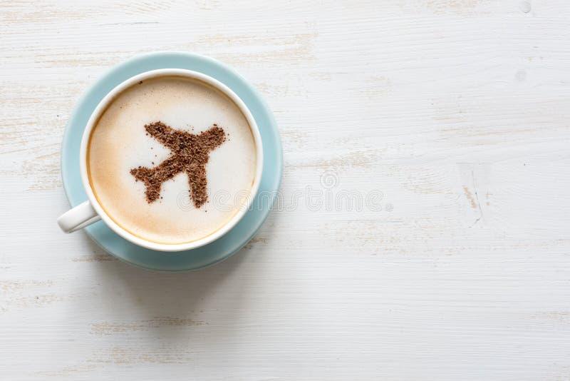 咖啡与航空器(飞机的由桂香制成) 免版税图库摄影