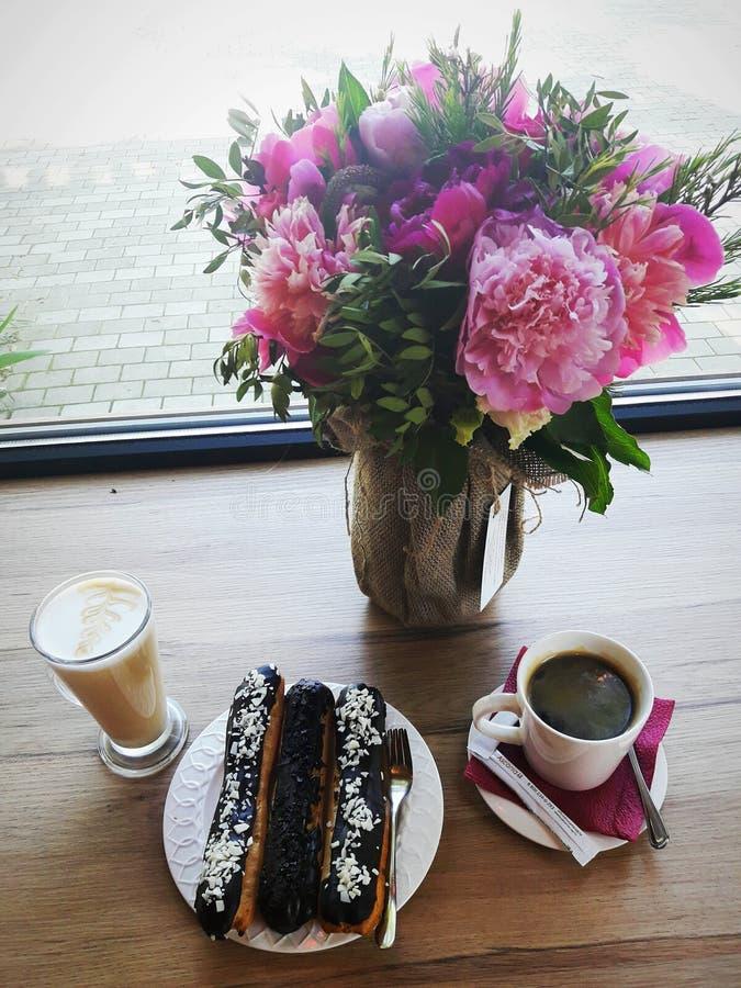 咖啡休息的桃红色心情 库存图片