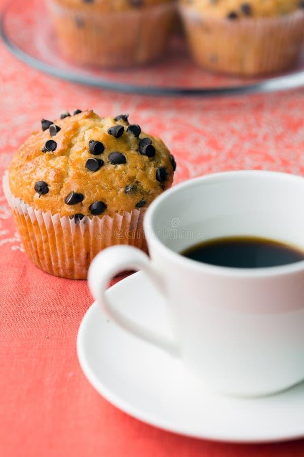 Download 咖啡休息 库存照片. 图片 包括有 重点, 户内, 颜色, 筹码, 牌照, 人们, latte, 杯子, 生气勃勃 - 30328400