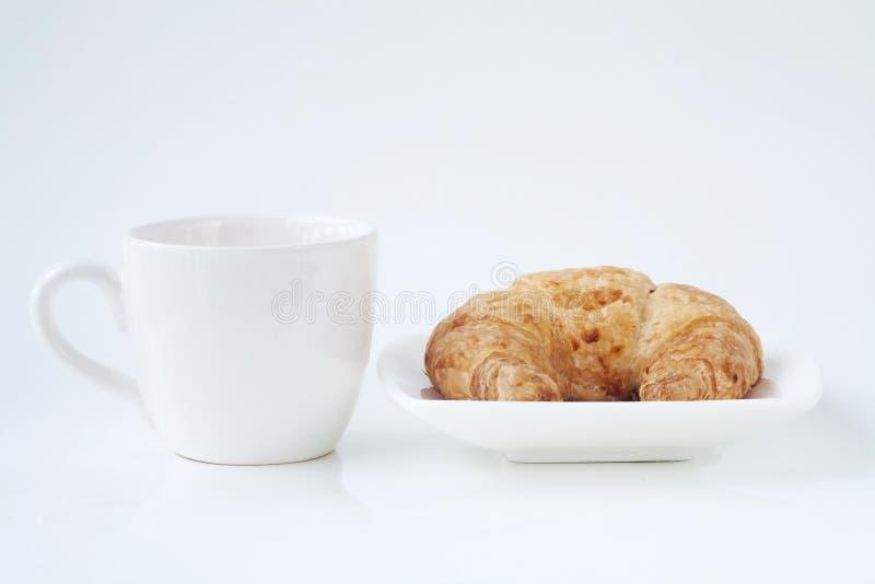 Download 咖啡和新月形面包 库存照片. 图片 包括有 健康, 巴西, 热奶咖啡, 液体, 早晨, 新月形面包, 巧克力 - 30330954