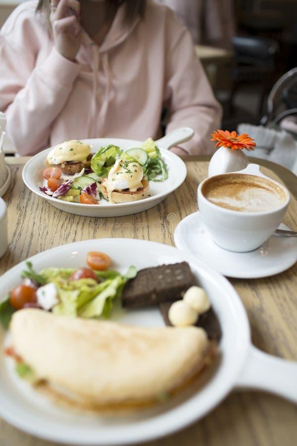 咖啡和晚早餐在莫斯科 库存图片