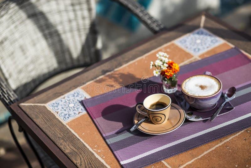 咖啡在中午 库存图片