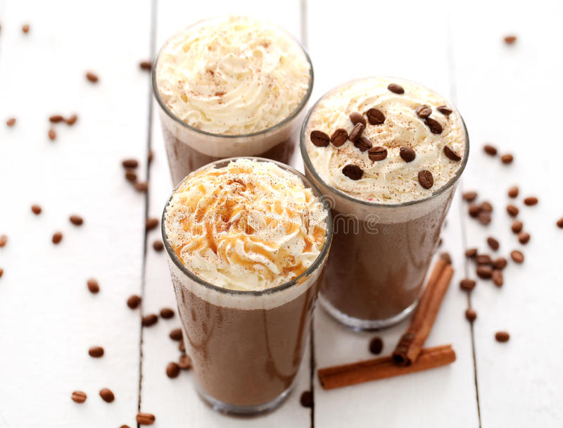 咖啡奶油冰鞭打了 库存图片