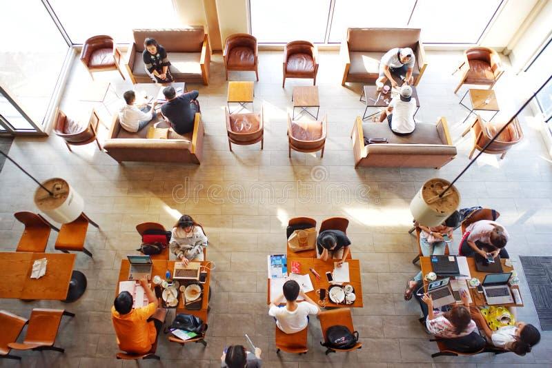 咖啡店和co工作空间顶视图  库存照片