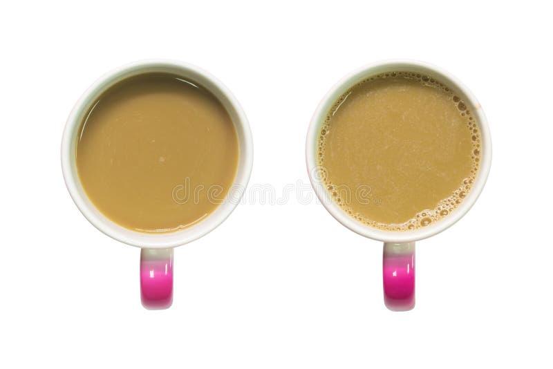 咖啡杯一张顶视图在被隔绝的背景的与裁减路线 蒙太奇或您的设计的桃红色拿铁杯子 向量例证