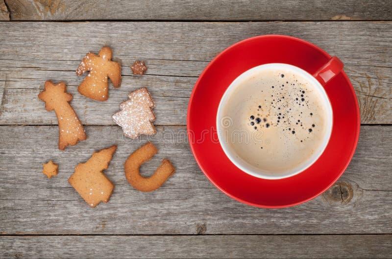 咖啡杯和姜饼曲奇饼 免版税库存图片