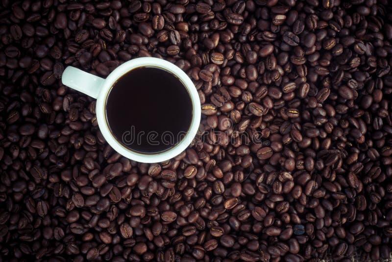 咖啡杯和豆 免版税图库摄影