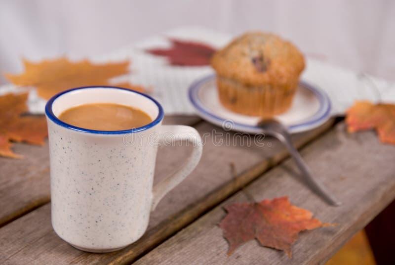 咖啡杯松饼 免版税库存照片