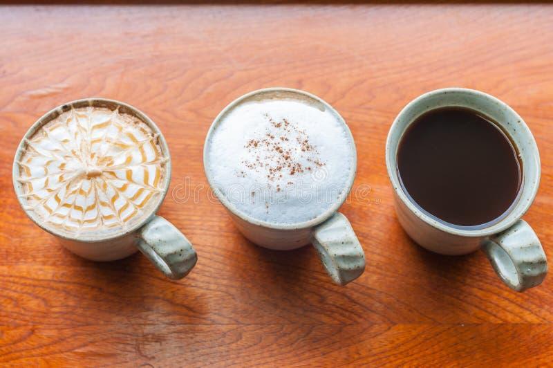 Download 咖啡杯白色 库存照片. 图片 包括有 背包, 新鲜, 制动手, 口味, 投反对票, 食物, 黑暗, 打赌的人 - 59111386