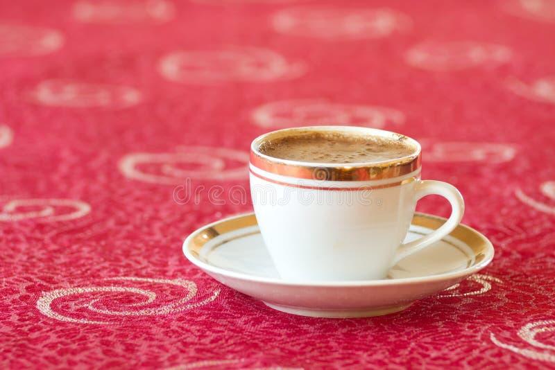 Download 咖啡杯 库存图片. 图片 包括有 充分, 咖啡馆, 咖啡, 细分, java, 泡沫, 打赌的人, 金黄 - 22350281