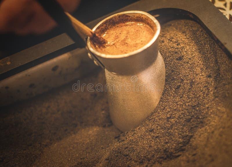 咖啡的剧烈的准备 免版税库存照片