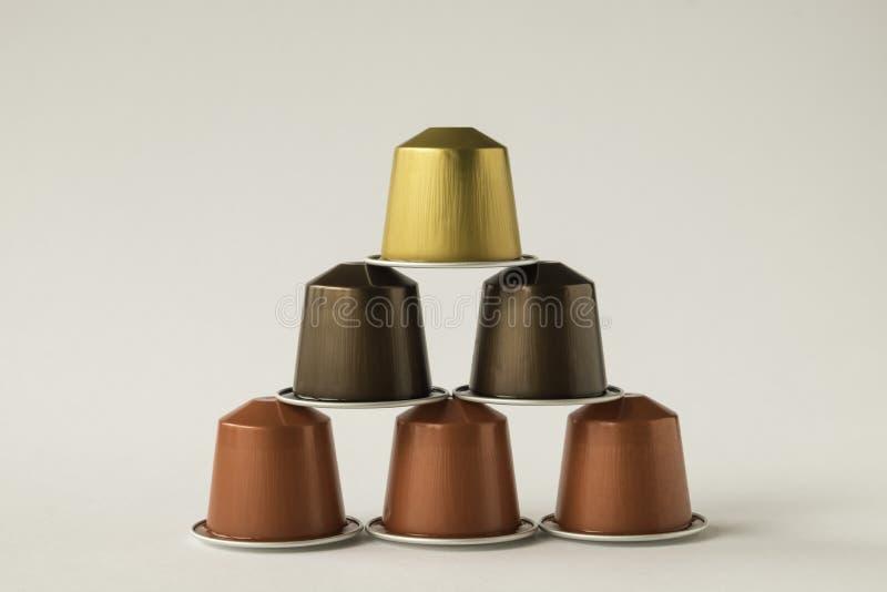 Download 咖啡荚品种家庭咖啡机器的 库存照片. 图片 包括有 早晨, 收集, 意大利语, 浓咖啡, 空白, 饮料, 类似 - 72358084