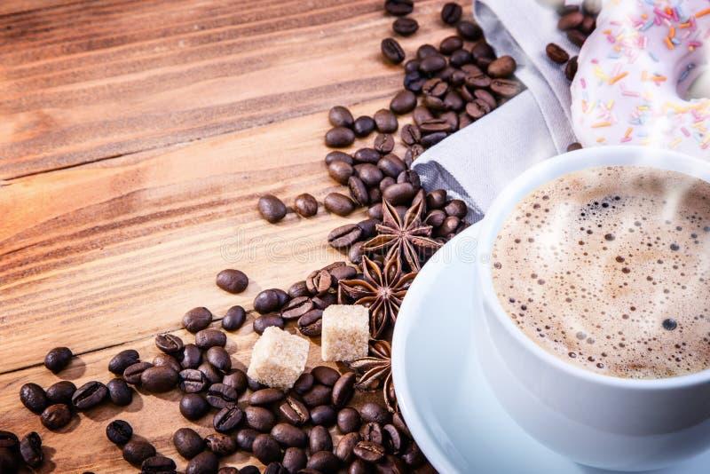 咖啡豆多福饼 库存图片