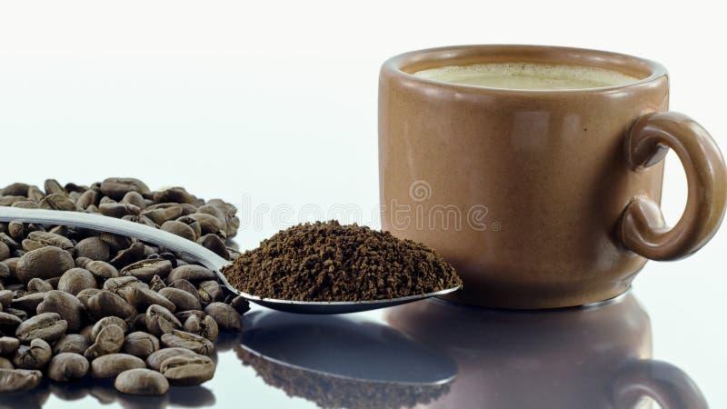 咖啡跨步-在五谷的咖啡,地面和粗糙 库存照片