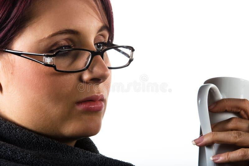 咖啡饮用的夫人 免版税库存图片