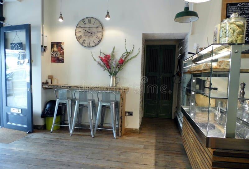 咖啡馆内部现代 免版税库存图片