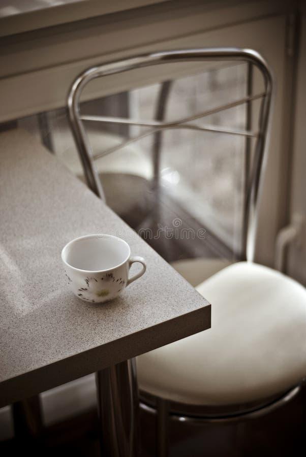 咖啡馆内部轻浪漫 免版税库存图片