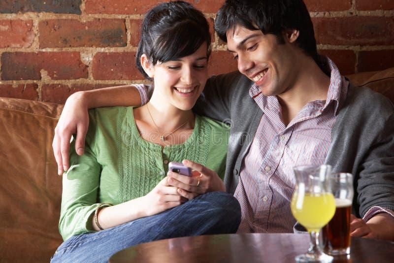 咖啡馆夫妇爱 图库摄影