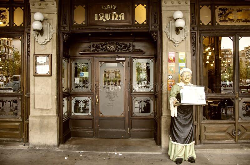 咖啡馆Iruña在潘普洛纳,西班牙 免版税图库摄影