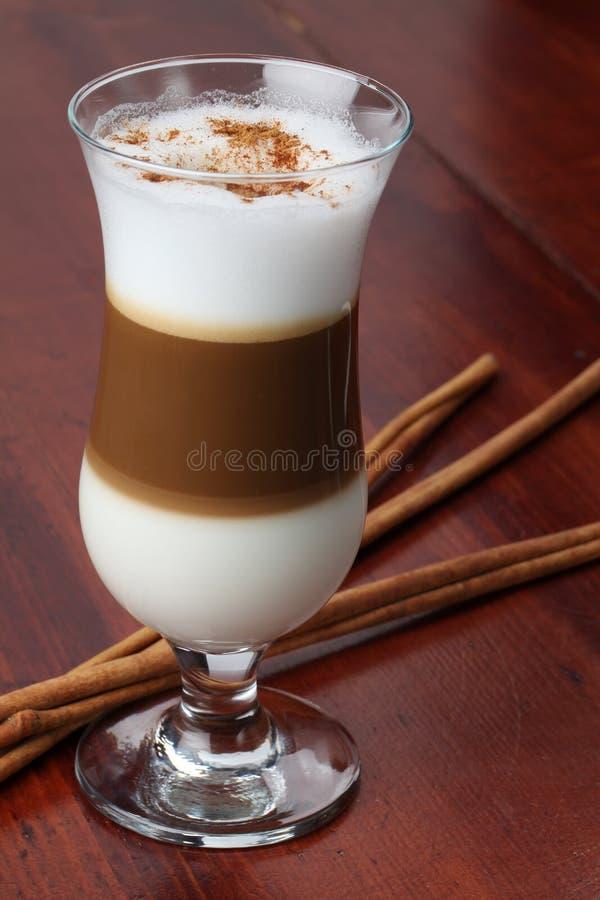 咖啡馆latte 免版税库存图片