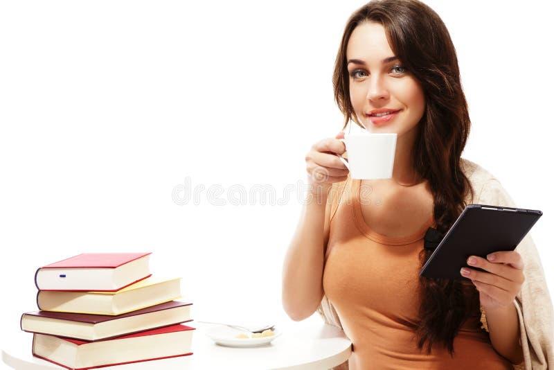 咖啡ebook阅读程序微笑的表妇女 库存图片