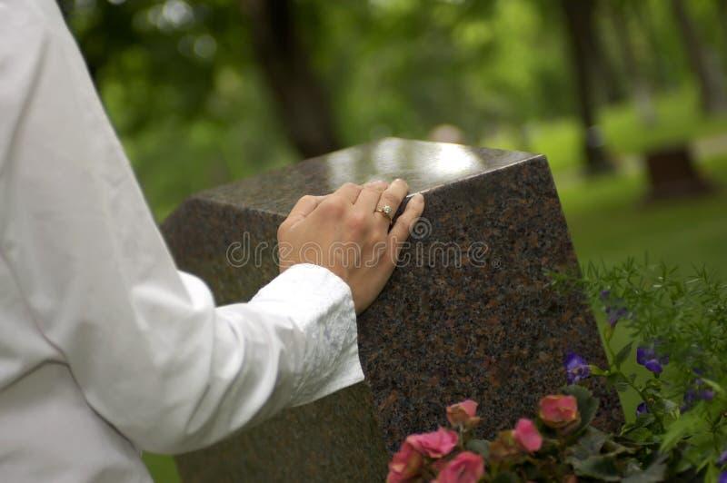 哀悼1个的坟墓 库存图片