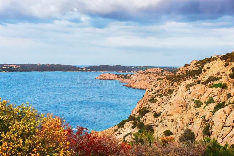 品柱的本质耶老岛在科斯塔Smeralda撒丁岛 免版税库存照片