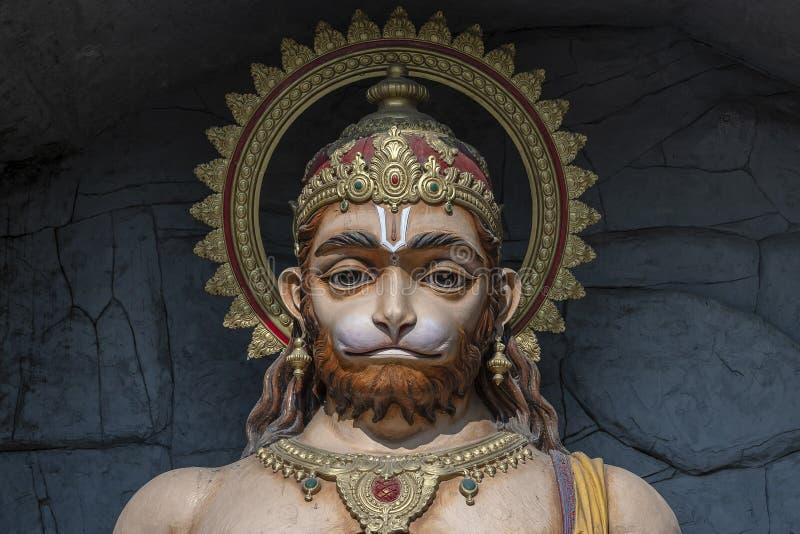 哈奴曼雕象,在恒河,瑞诗凯诗,印度附近的印度神象 香客的圣地 免版税库存照片