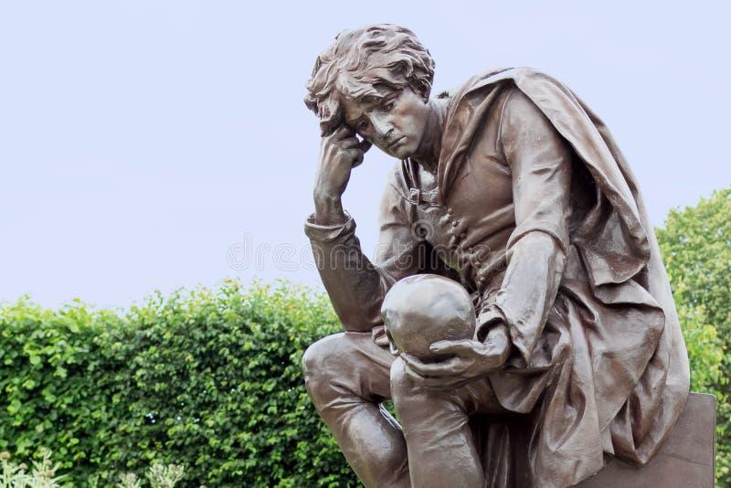 哈姆雷特雕象  免版税库存图片