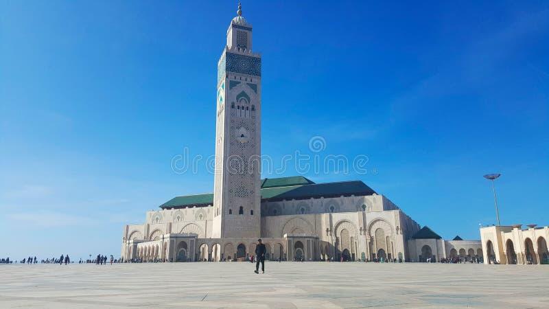 哈桑二世清真寺看法反对蓝天的在卡萨布兰卡摩洛哥 库存照片