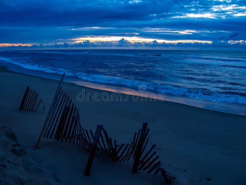 哈特勒斯角在北卡罗来纳外滩群岛的海岛日出 免版税库存图片