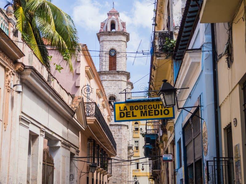 哈瓦那,古巴La Bodeguita del Medio酒吧,叫作酒吧欧内斯特・海明威哪里喝了mojito鸡尾酒 库存图片