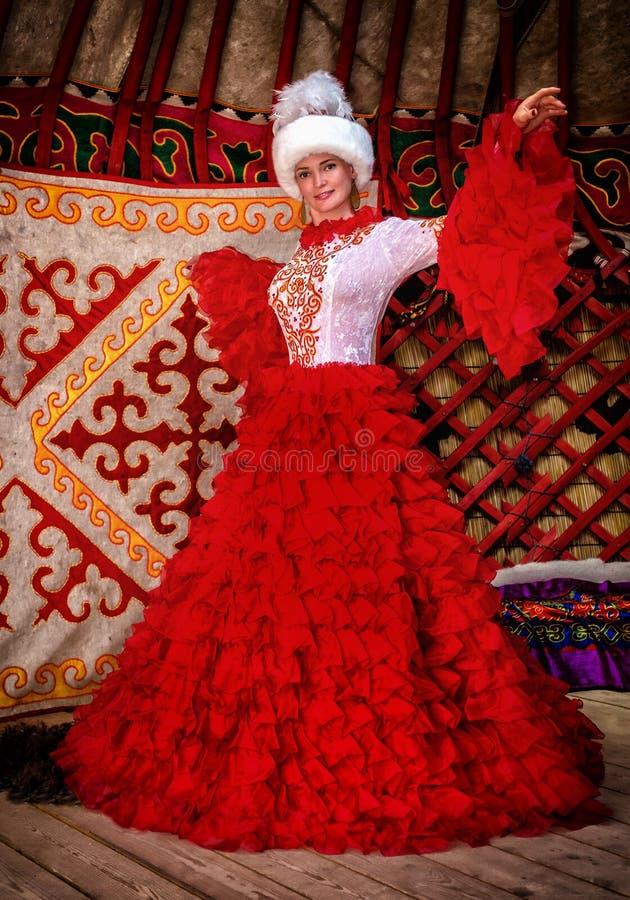哈萨克人新娘女孩 免版税库存图片