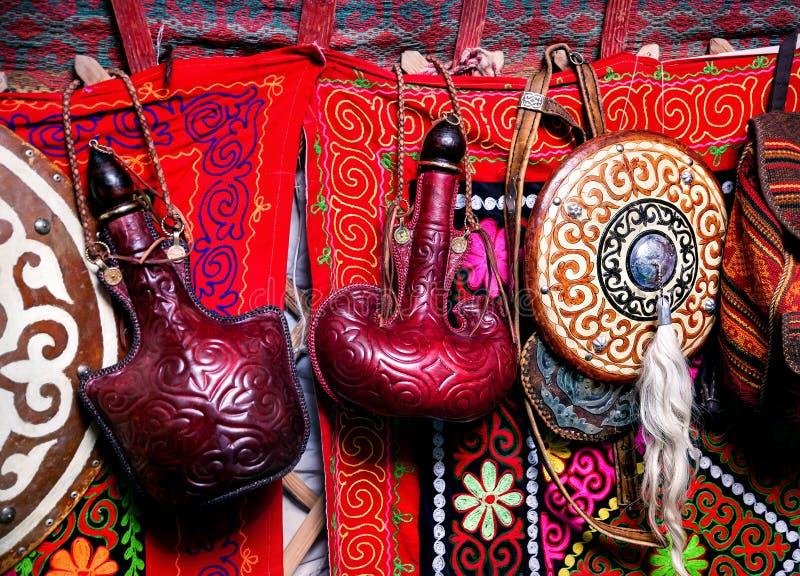 哈萨克人yurt内部 库存图片