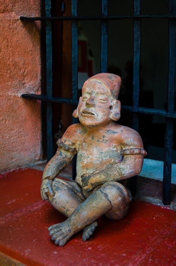 哥伦布发现美洲大陆以前小雕象 免版税库存照片