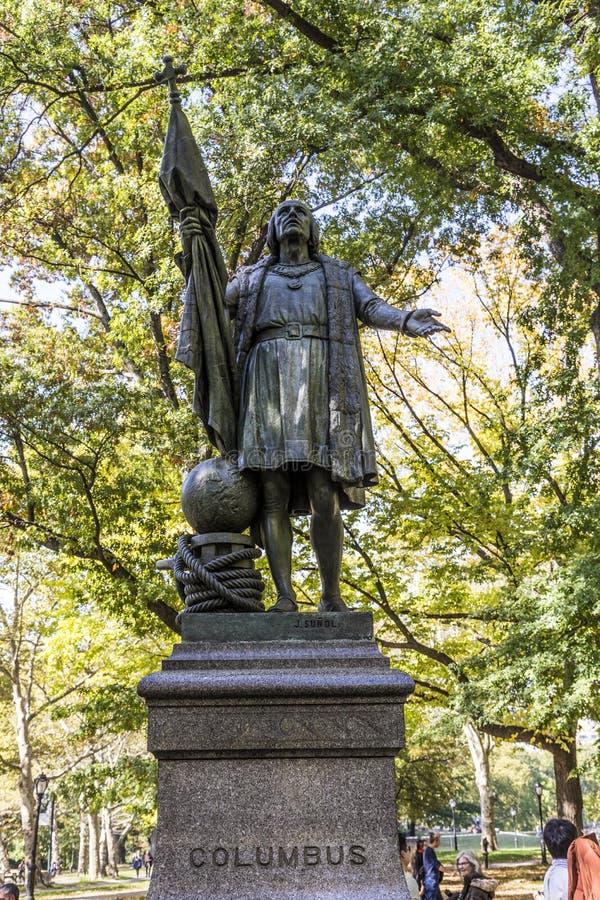 哥伦布雕象在中央公园里面的在曼哈顿 库存图片