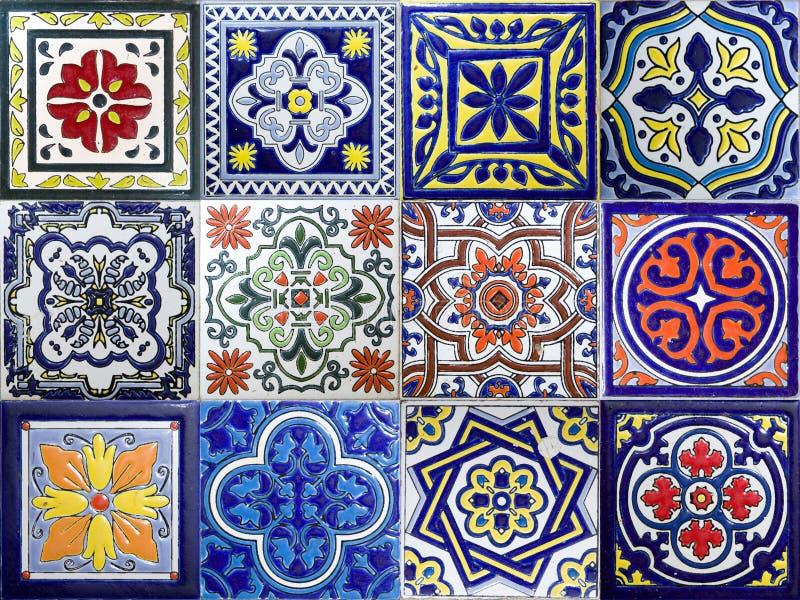 哥伦比亚卡塔赫纳彩色传统瓷砖 库存图片