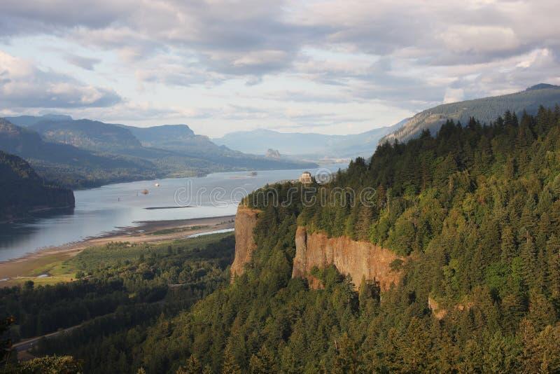 哥伦比亚峡谷房子河远景 免版税图库摄影