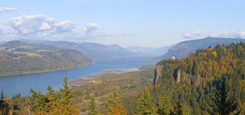 哥伦比亚河峡谷全景俄勒冈。 免版税库存图片