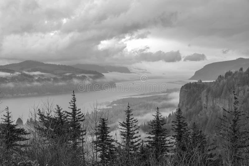 哥伦比亚河峡谷冷漠的风景俄勒冈 库存图片