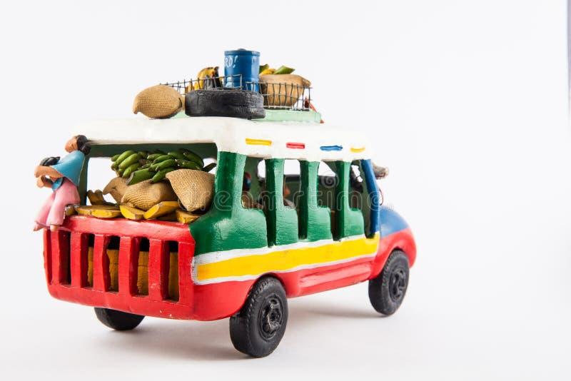 从哥伦比亚的五颜六色的传统农村公共汽车 库存图片