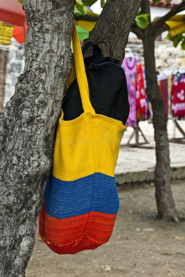 哥伦比亚的旗子-钩针编织的提包 免版税库存图片